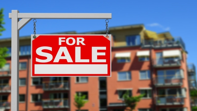 Chinese real estate agents in Burnaby feel brunt of foreign buyers tax