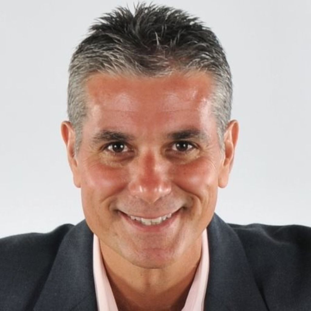 Antonio J Perez